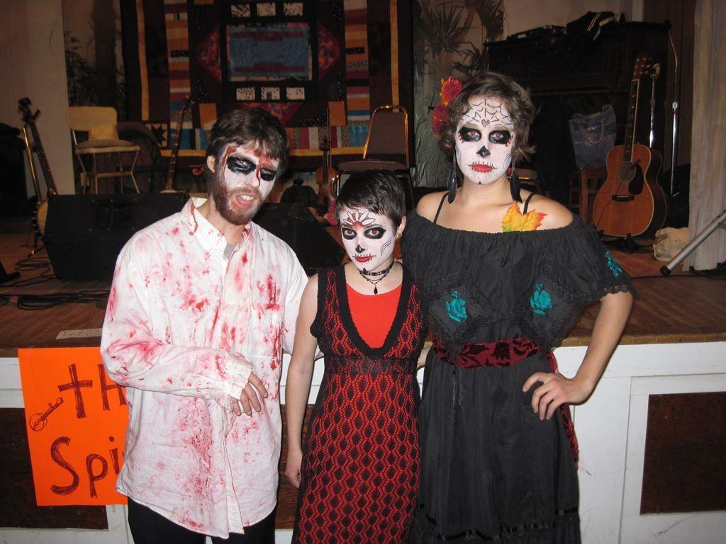 10-10-30 Ghouls at the Halloween Dance_1024x768