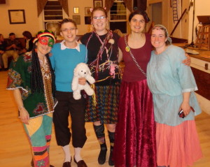 15-10-31 variety show--Rasta, Tintin, Kitten w-yarn, Chain the Lady, Princess