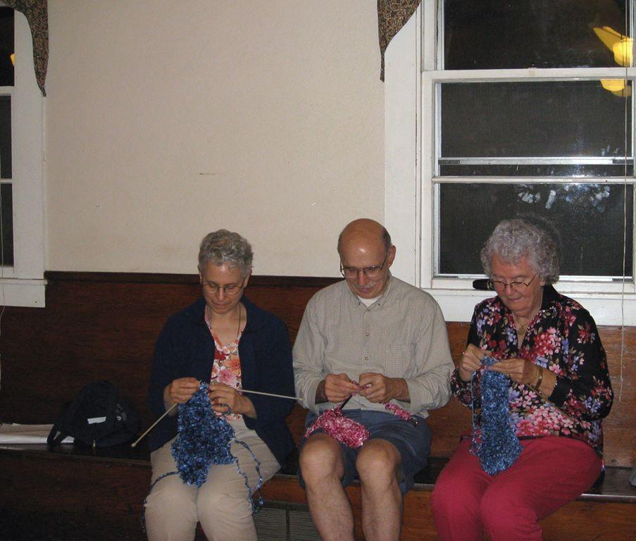 Knitting-for-the-foster-children_903x768