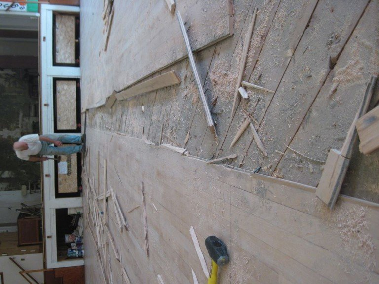 Taking out the old dance floor – 1_1024x768