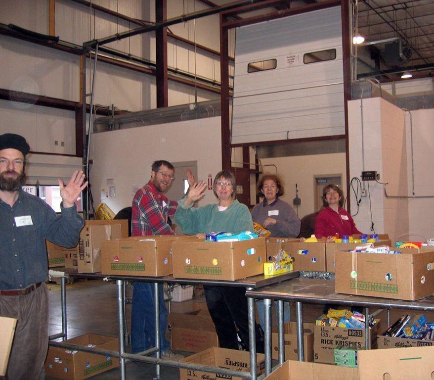 Volunteering-at-Foodbank_878x768